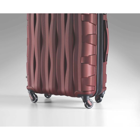 Prestige 3D Spinner Carry-On Luggage 21.5""