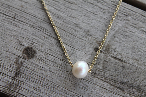 Gold Chain Freshwater Pearl Pendant Necklace