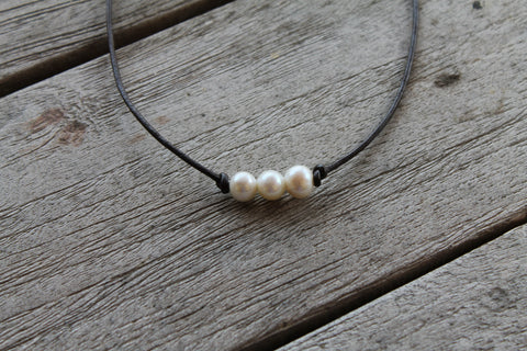 Tiki Necklace in Pearl White