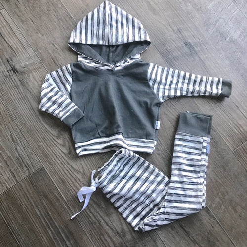 organic long sleeve hoodie in grunge stripe/charcoal