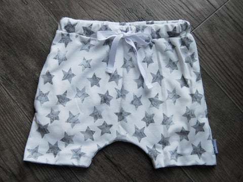 baggy pocket shorts in organic stars