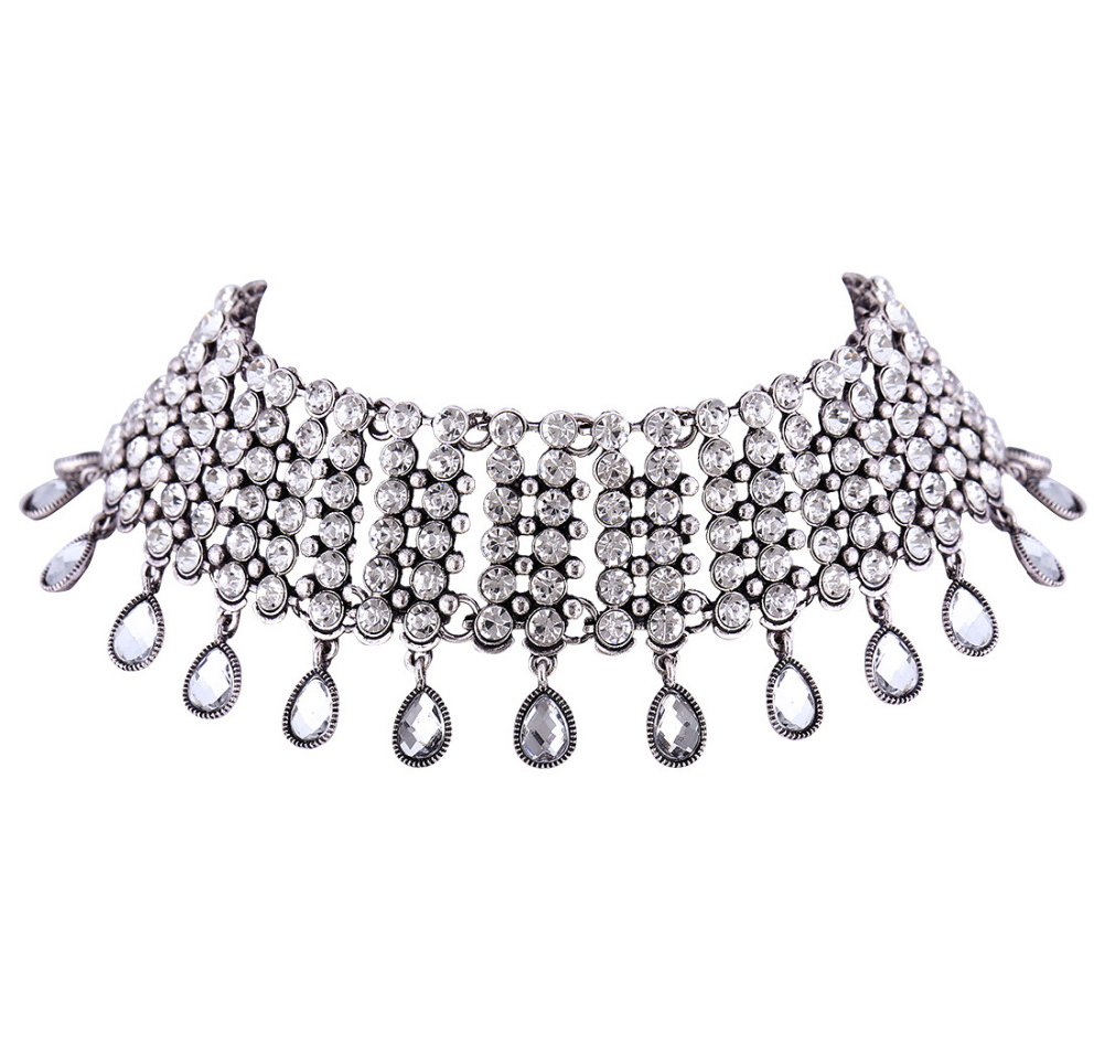 Give me Luxury Crystal Choker