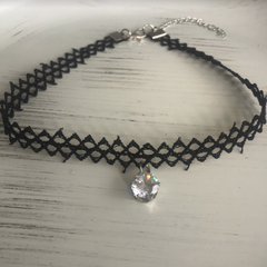 Mesh Choker with Crystal Color Changing Pendant
