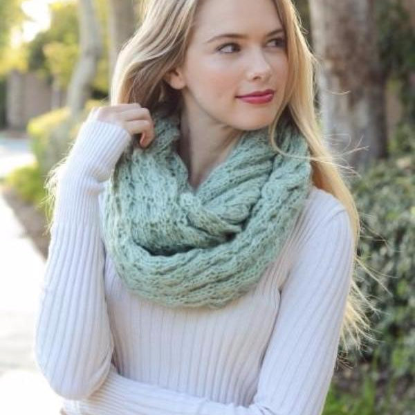 Cozy and Soft Knitted Infinity Scarf [Mint] - Bean Concept