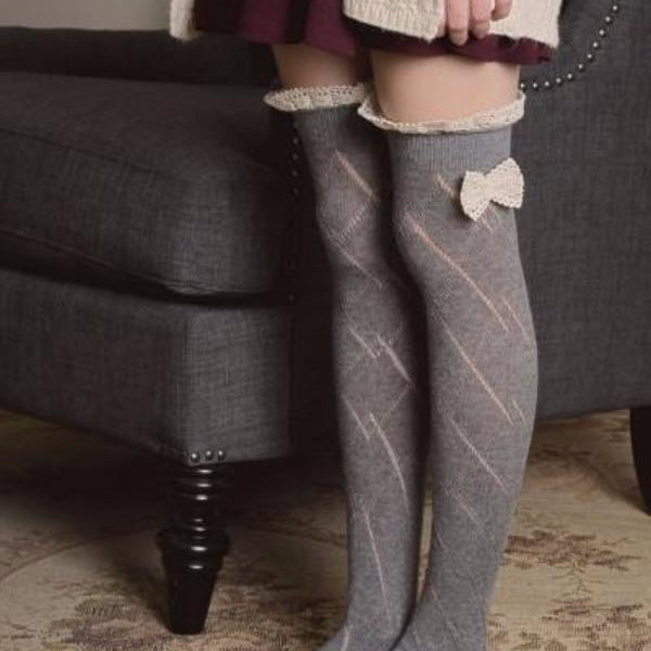 Knitted Leg Warmers with Lace Trim and Bow - Bean Concept