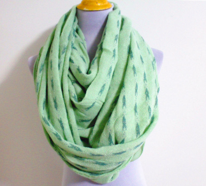 Green Arrow Knitted Infinity Scarf - Bean Concept - Etsy