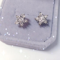 Snowflake Ear Stud Earrings - Bean Concept - Etsy