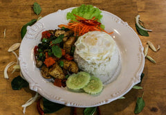 Thai Basil Vegetable Rice with Fried egg (Non-spicy) (VEG)