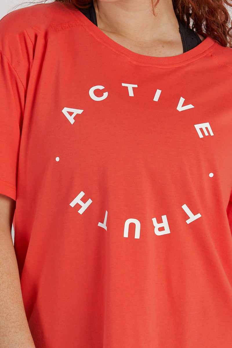 activewear-lightweight-crew-tee-red-logo_1