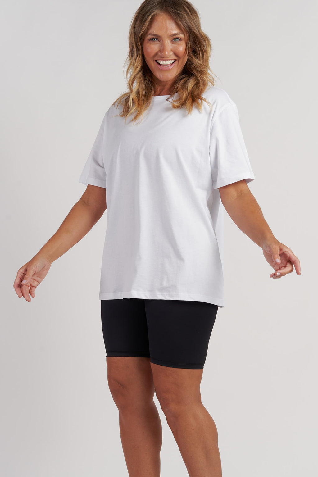 activewear-oversized-tee-white-large-side