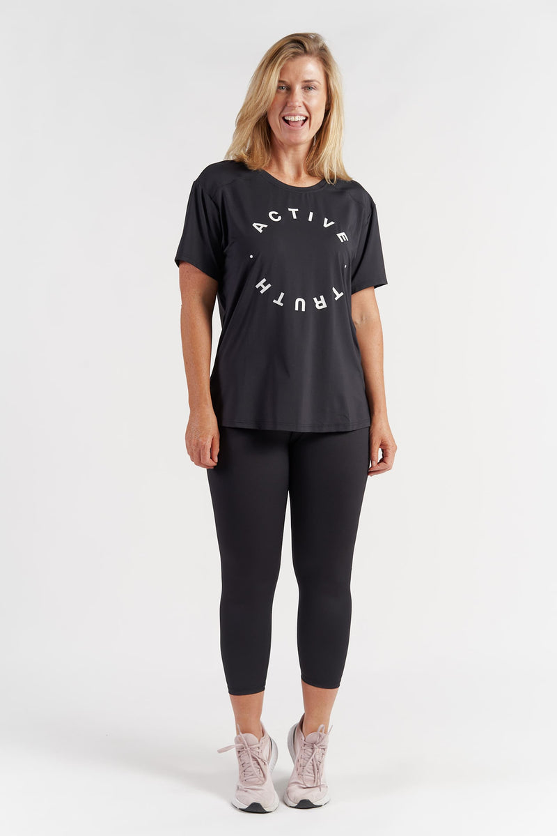 activewear-performance-tee-black-circle-small-front