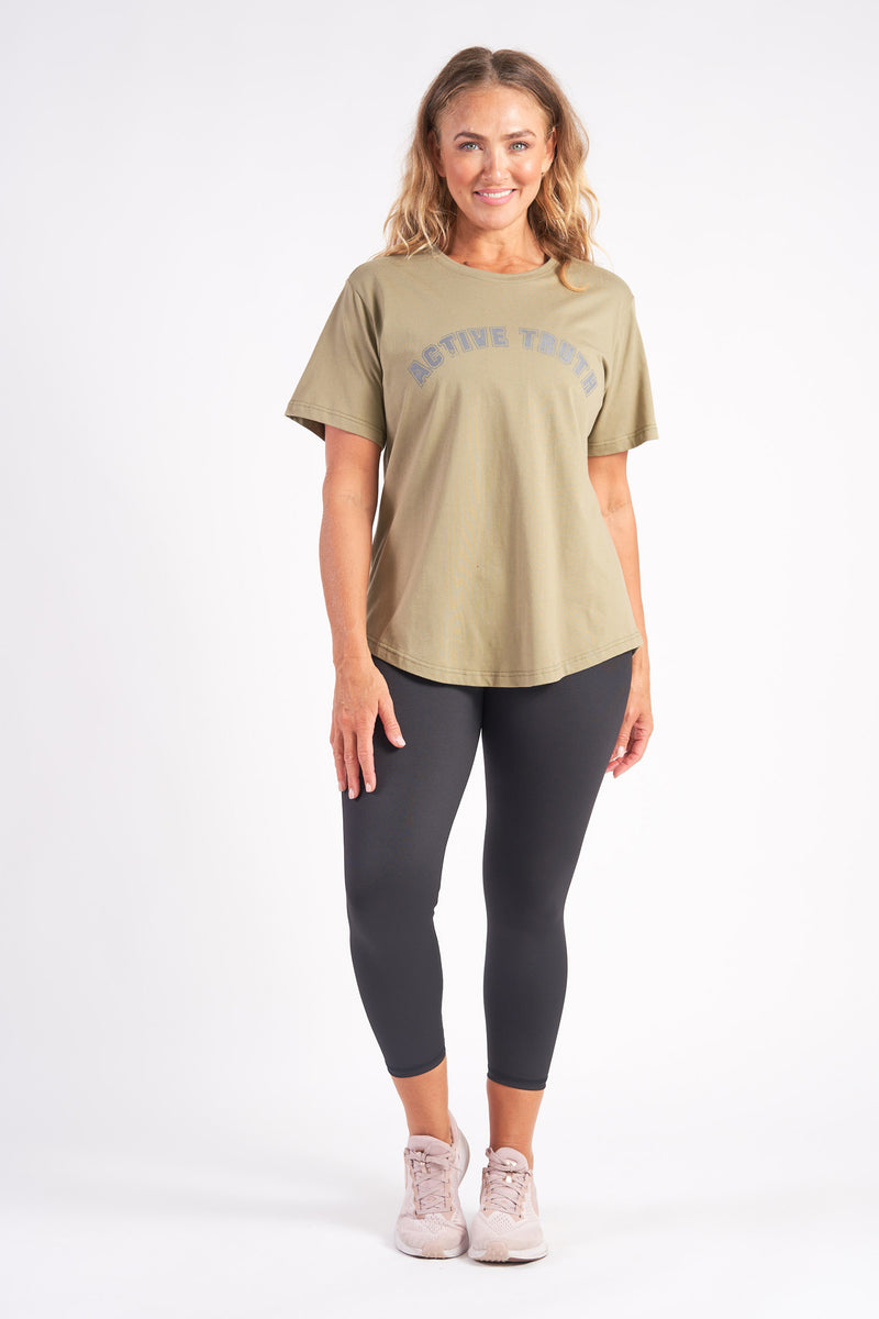 activewear-relaxed-crew-tee-organic-cotton-olive-large-front2