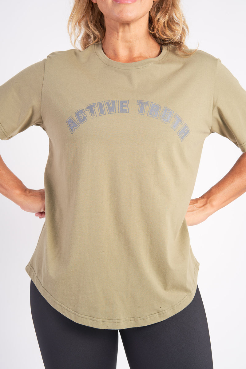 activewear-relaxed-crew-tee-organic-cotton-olive-large-front3