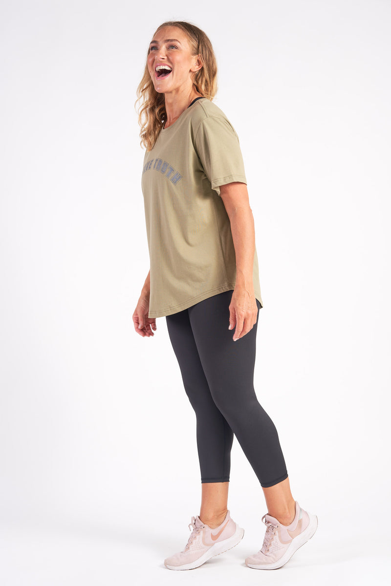 activewear-relaxed-crew-tee-organic-cotton-olive-large-side2