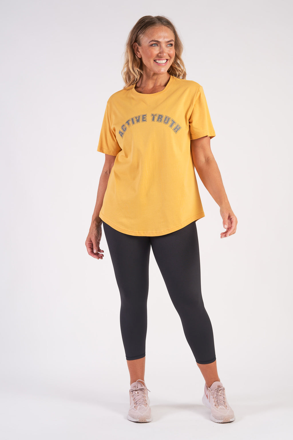 activewear-relaxed-crew-tee-organic-cotton-saffron-large-front3