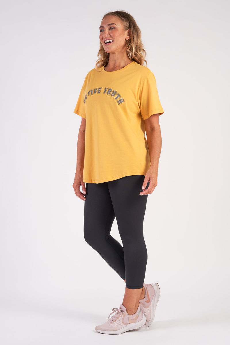 activewear-relaxed-crew-tee-organic-cotton-saffron-large-side2