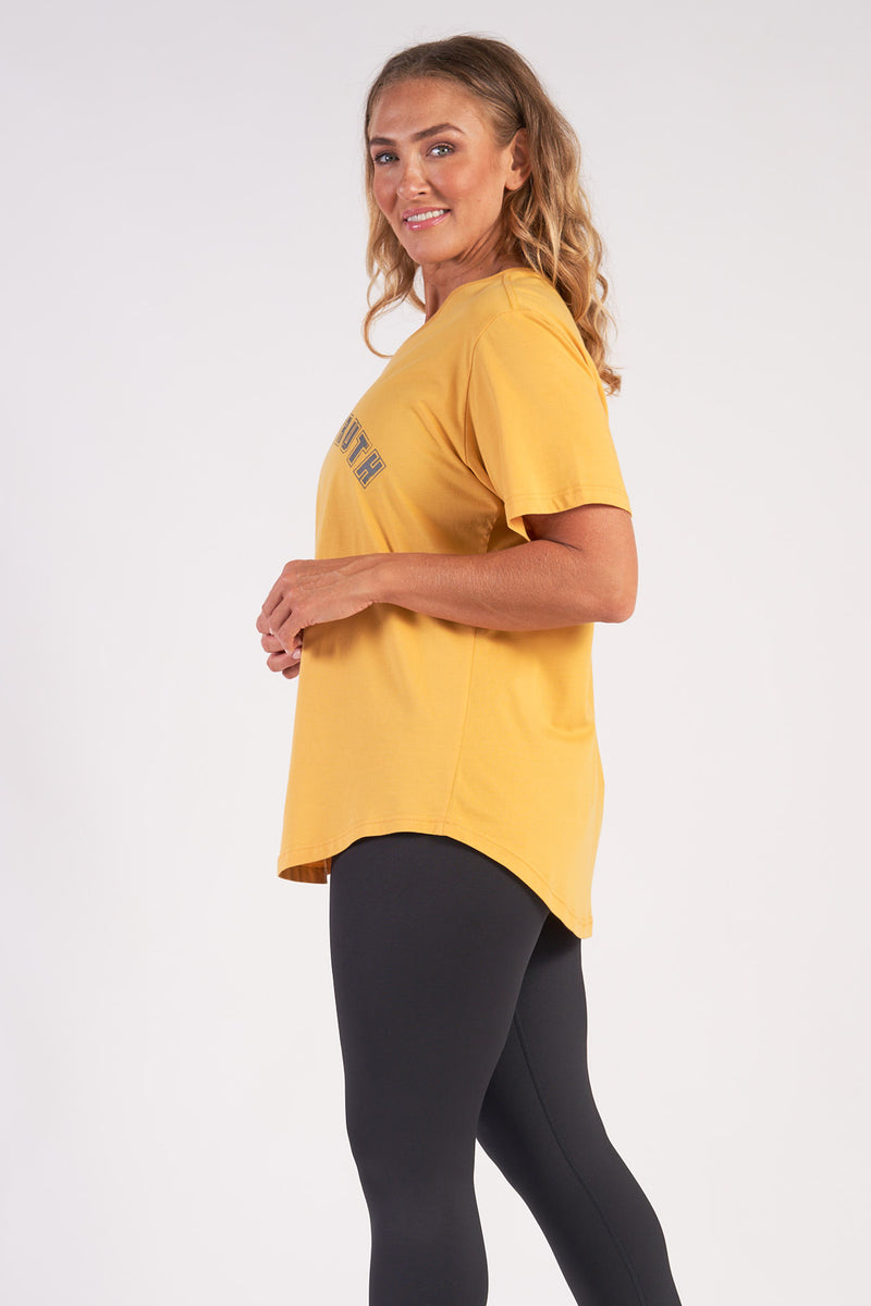 activewear-relaxed-crew-tee-organic-cotton-saffron-large-side