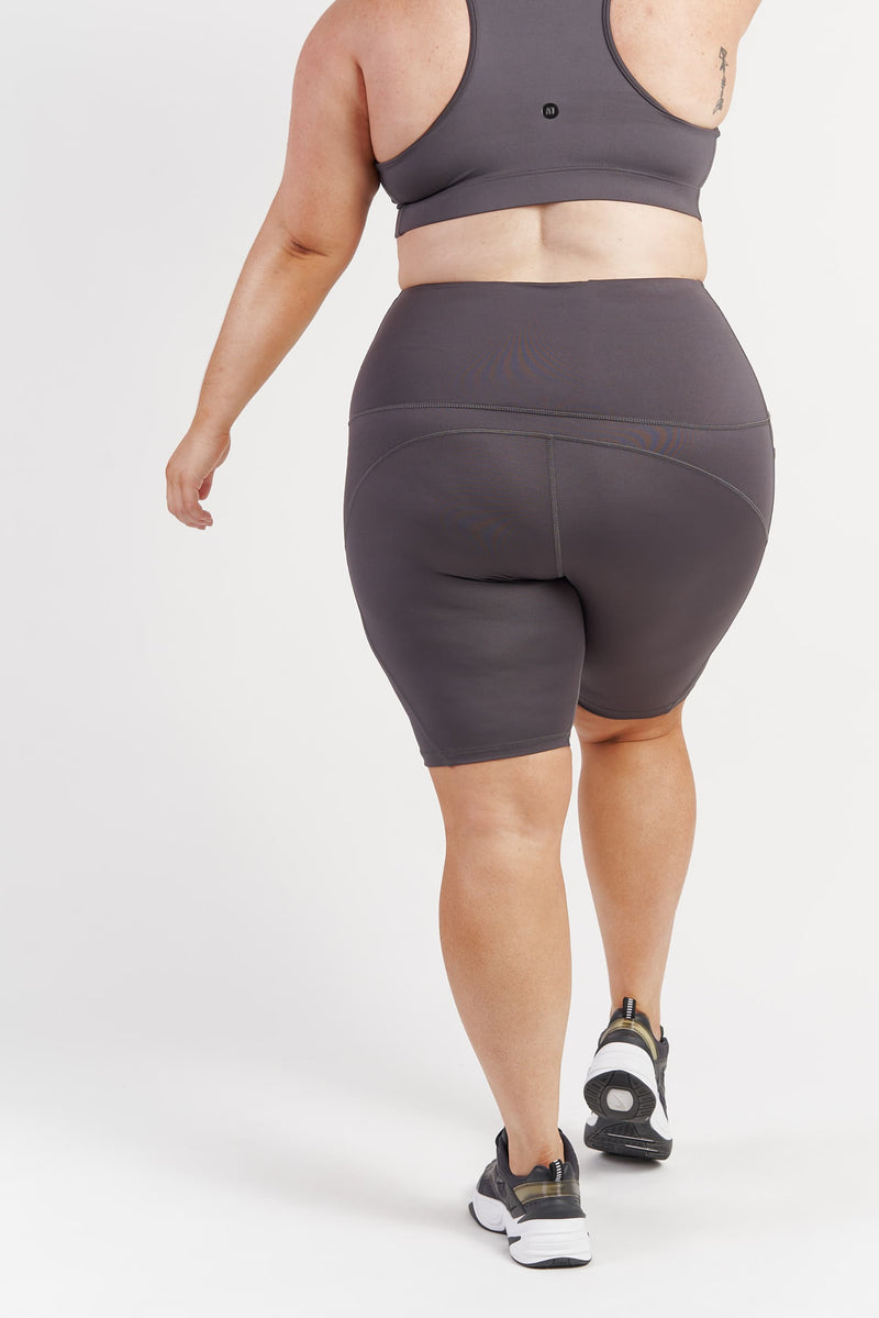 bike-short-pocket-tights-grey-plussize-back