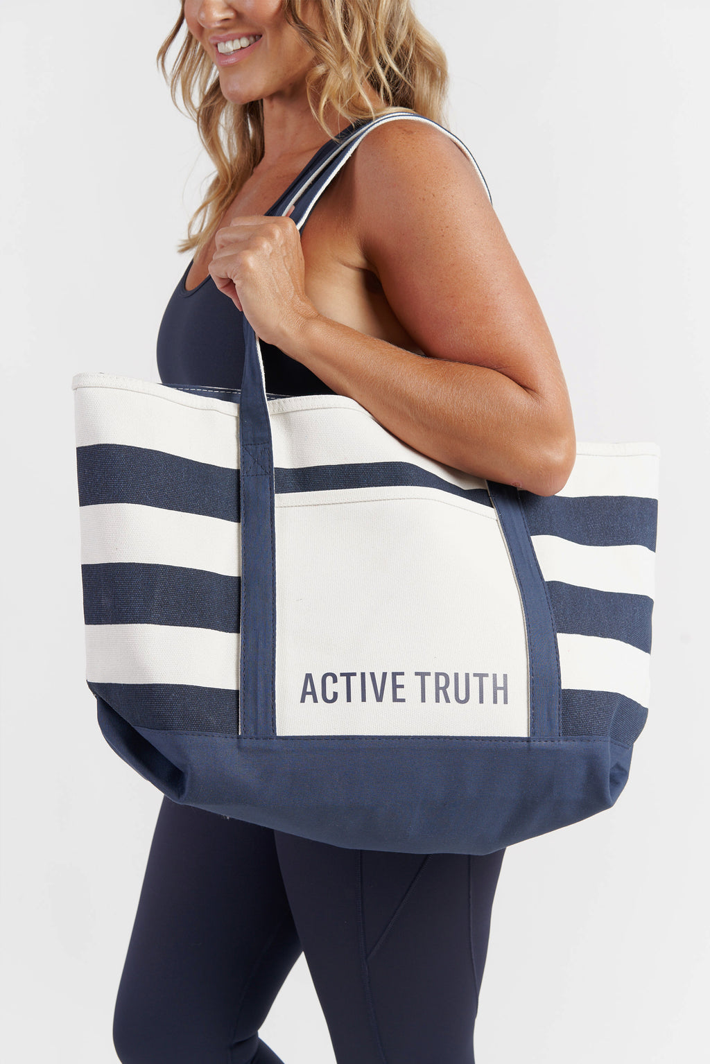 canvas-large-tote-beach-bag-striped-model