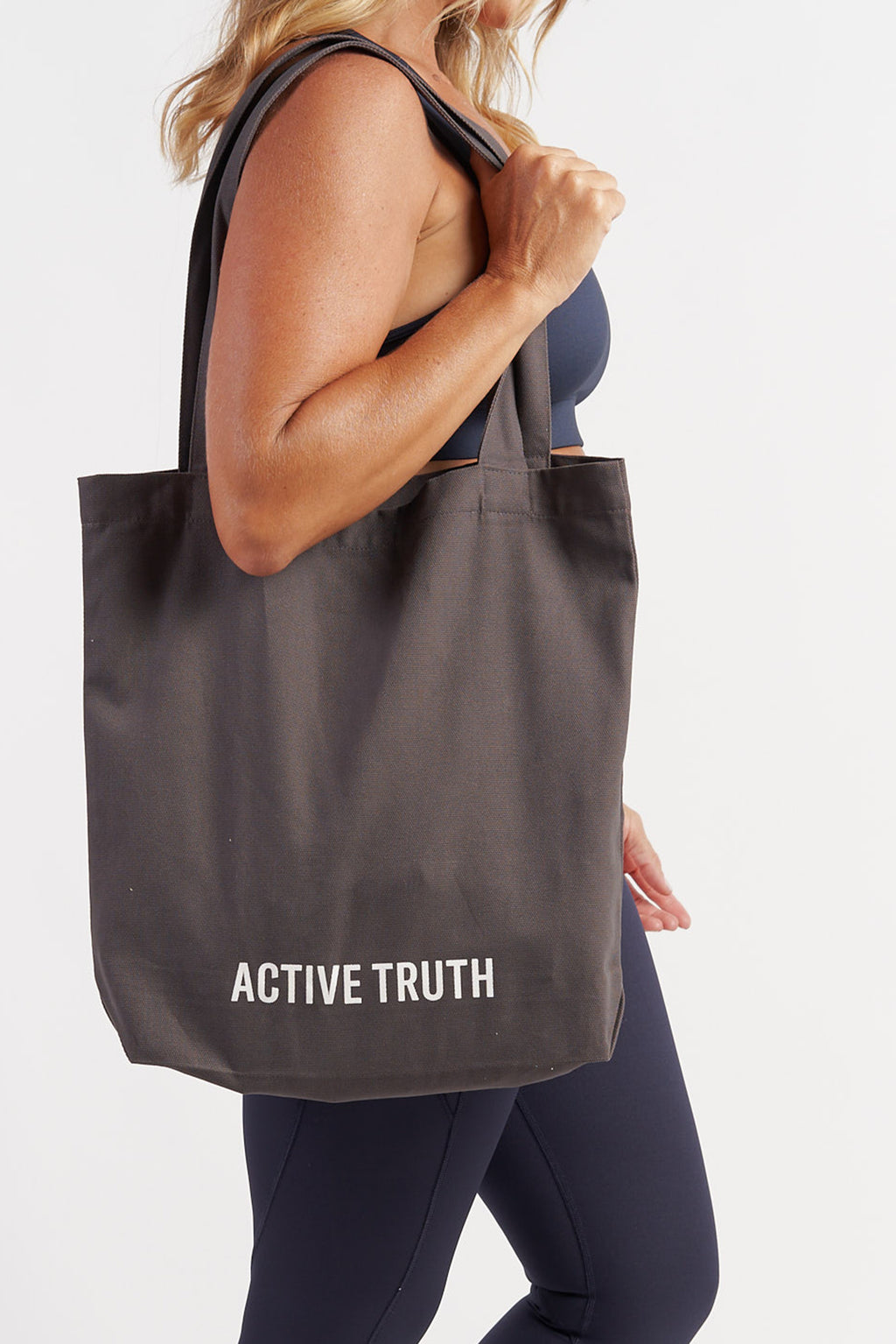 cotton-canvas-tote-bag-charcoal-model