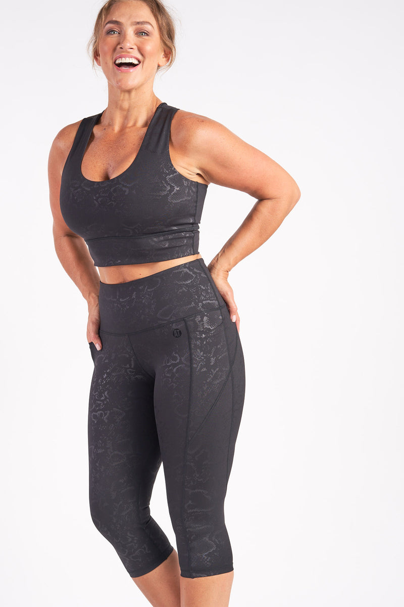 cropped-length-gym-tight-viper-large-side2