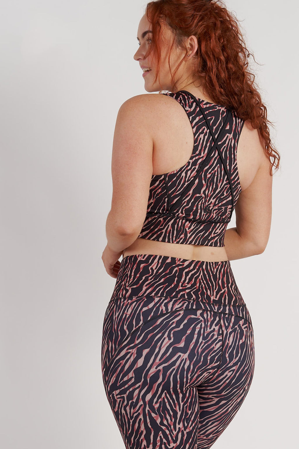 longline-sports-crop-zebra-large-back