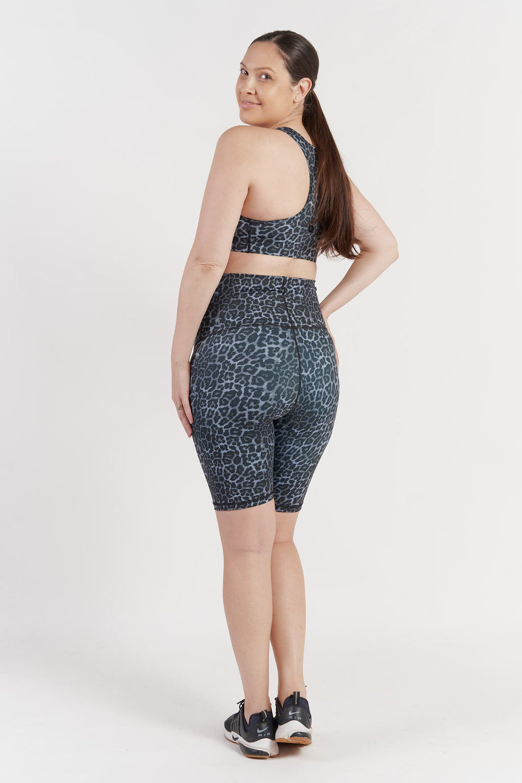 maternity-tights-bike-short-grey-leopard-medium-back