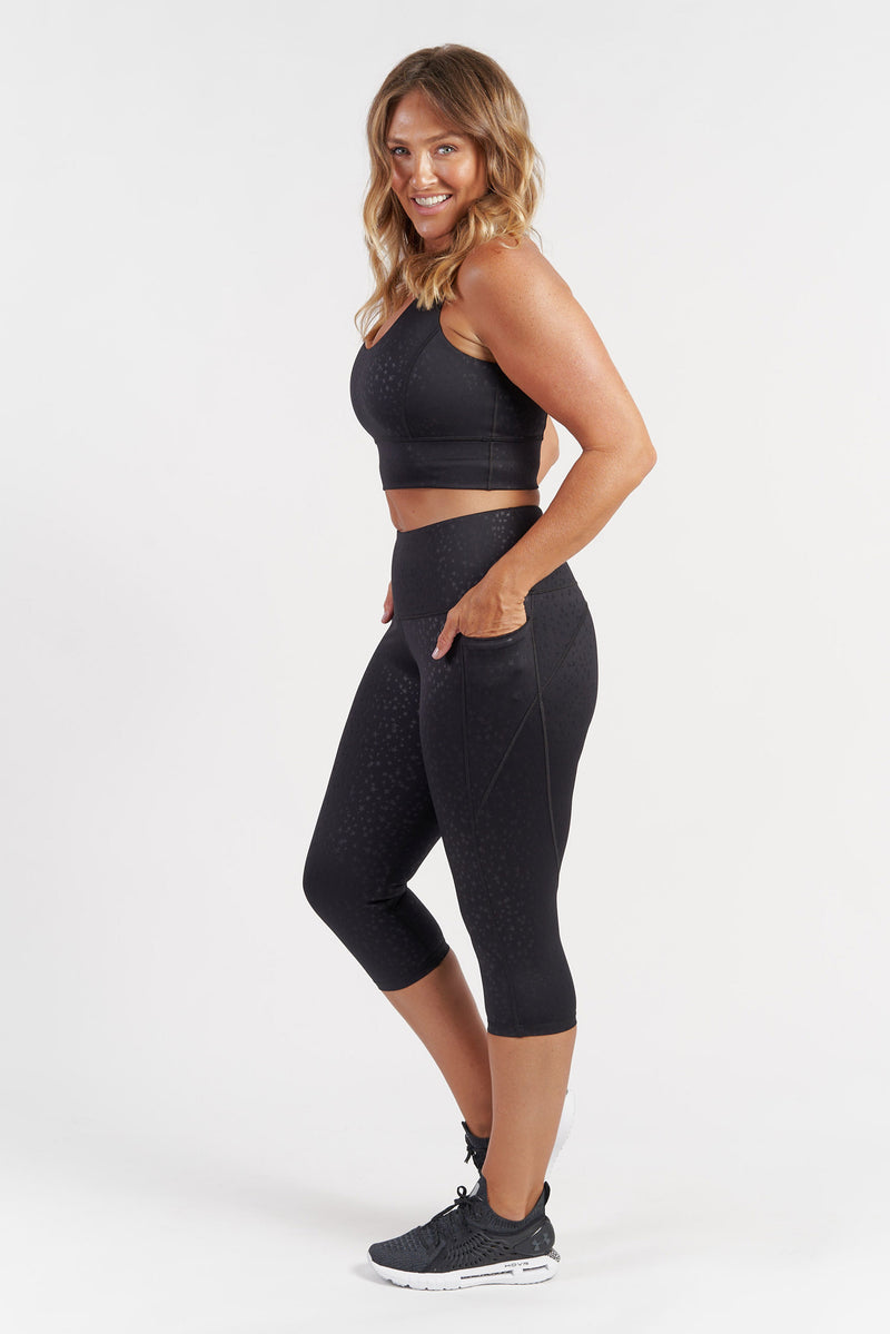 racerback-sports-crop-black-large-side2.