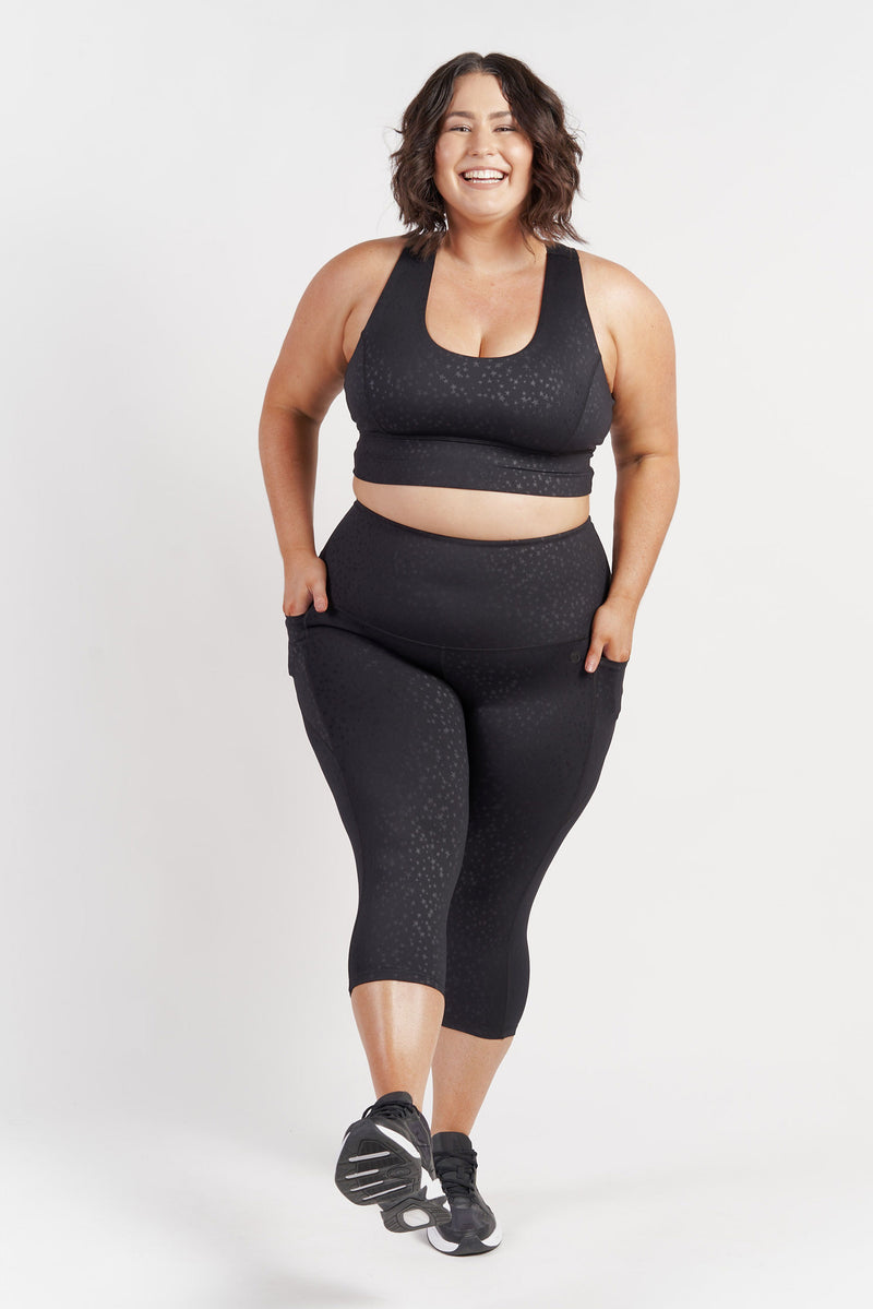 racerback-sports-crop-black-plussize-front