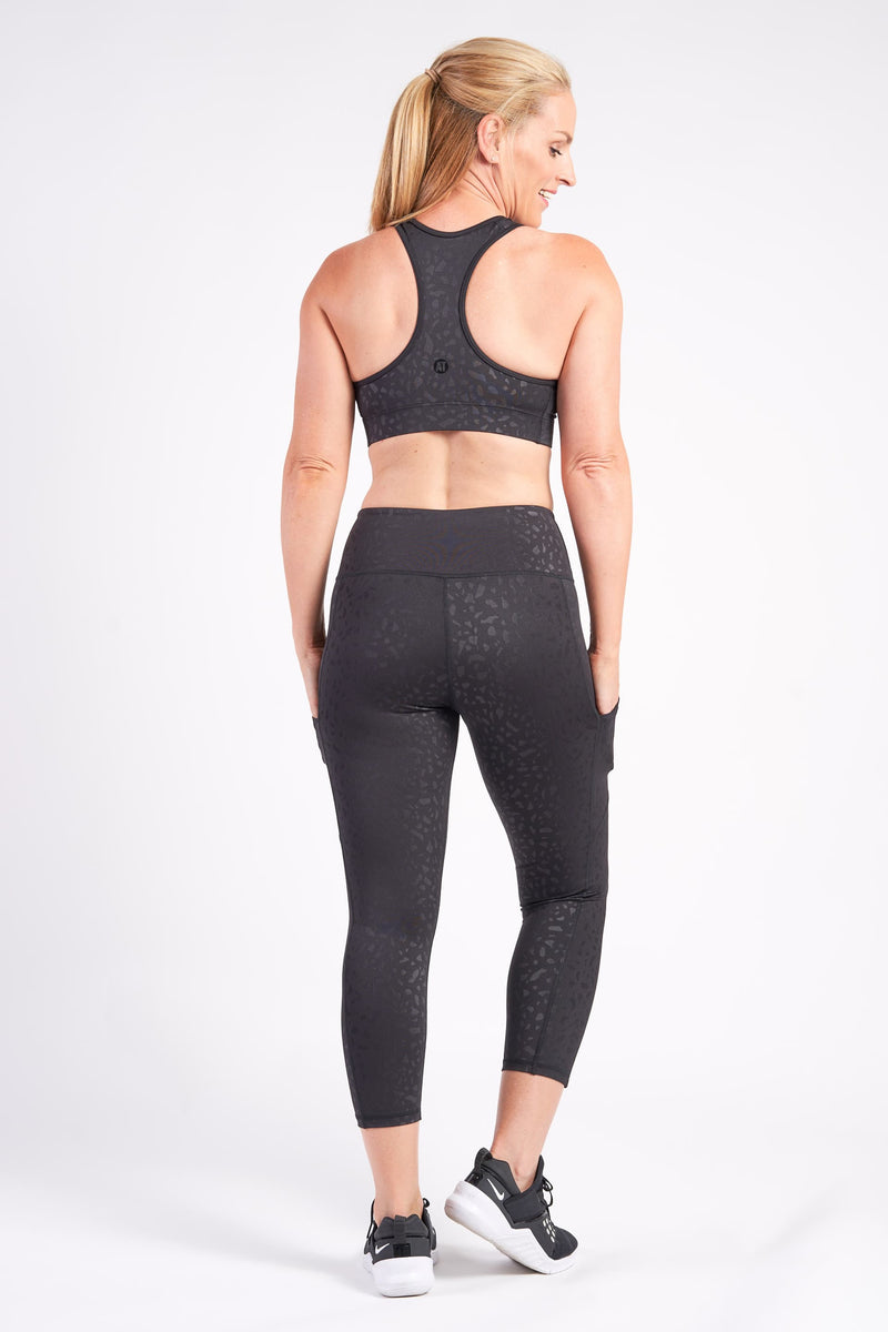 racerback-sports-crop-geo-pebble-small-back