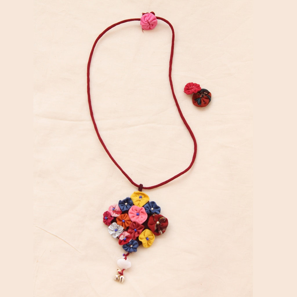 Floral long necklace