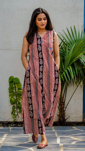 Shop Bagh print straight fit tunic set online at bebaakstudio.com