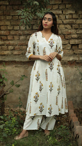 Ivory Mughal print side gathered kurta set