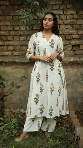 Mughal print off white side gathered kurta
