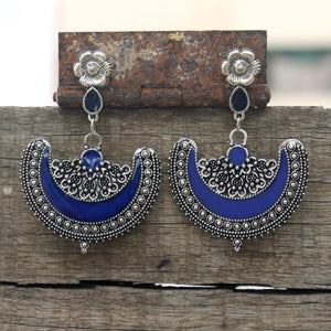 Half moon enamel earring- Blue and silver