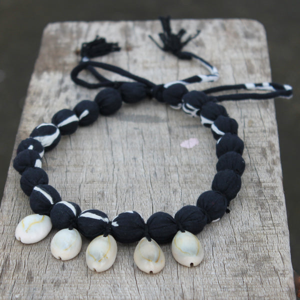 Boho soul black shell necklace