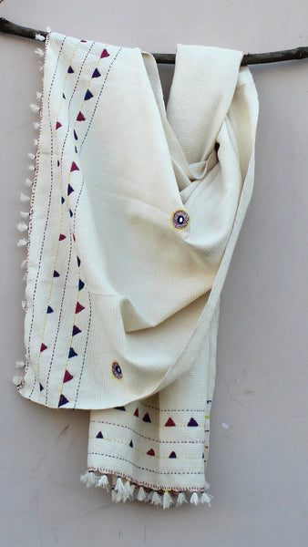 Kora thick cotton kantha stole online available at bebaakstudio.com