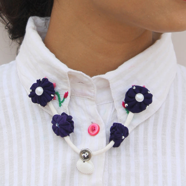 Blue pearl floral collar chain