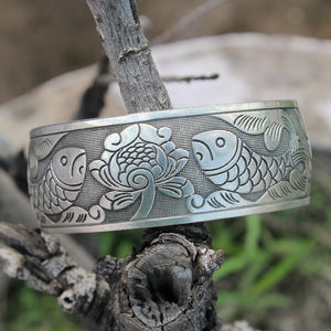Classic fish carved Kada