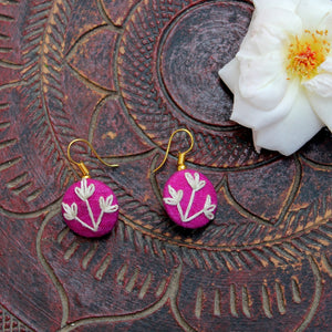 Tulip embroidered ear stud