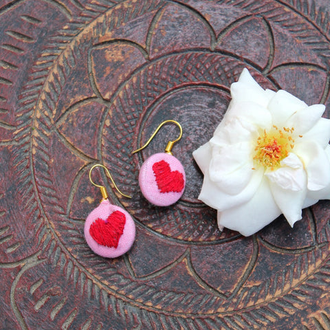 Heart embroidered ear stud