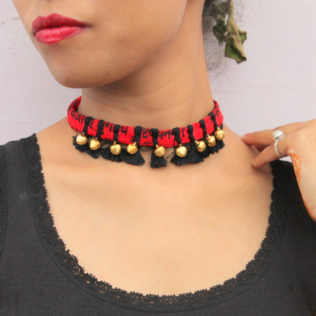Choker:Red black handcrafted textile ghungharu choker