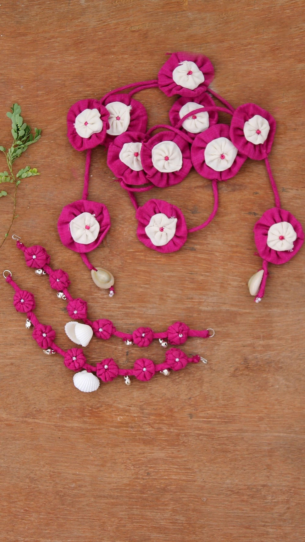 Pink floral Parandi & Earchain set online available at bebaakstudio.com