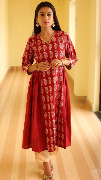 Mehrooni side gathered bagh print kurta