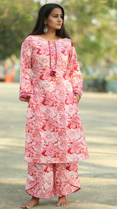 Floral pink full sleeve kurti online at bebaakstudio.com