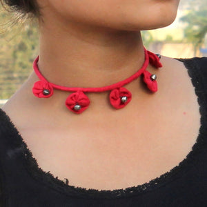 Red Floral choker online at bebaakstudio