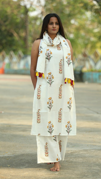 Mughal Print off white sleeveless straight kurti online at bebaakstudio.com