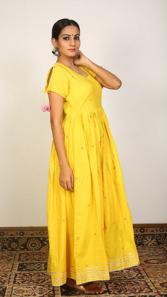 Yellow gathered long dress