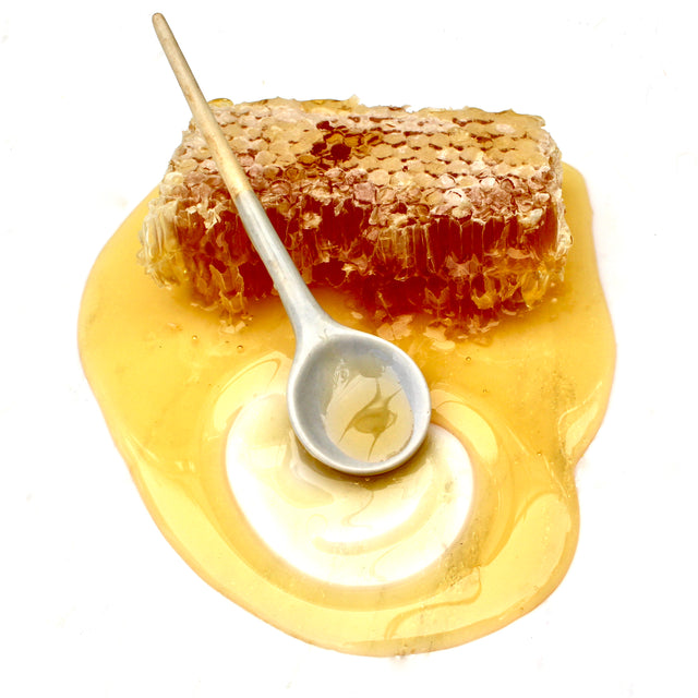 Raw Honey skin benefits for acne treatment, anti-aging, fine wrinkles, blemishes, eczema and dermatitis.