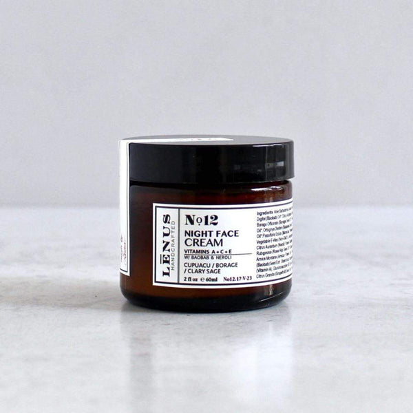 Nourishing face cream with organic oils and beeswax.